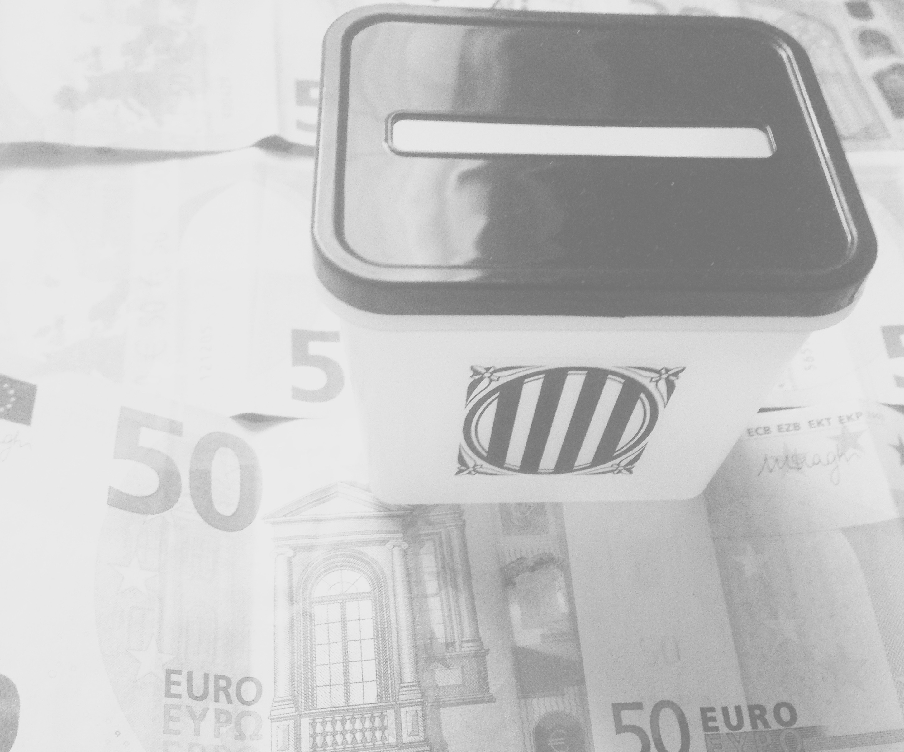Una urna de l'1-0 envoltada d'euros